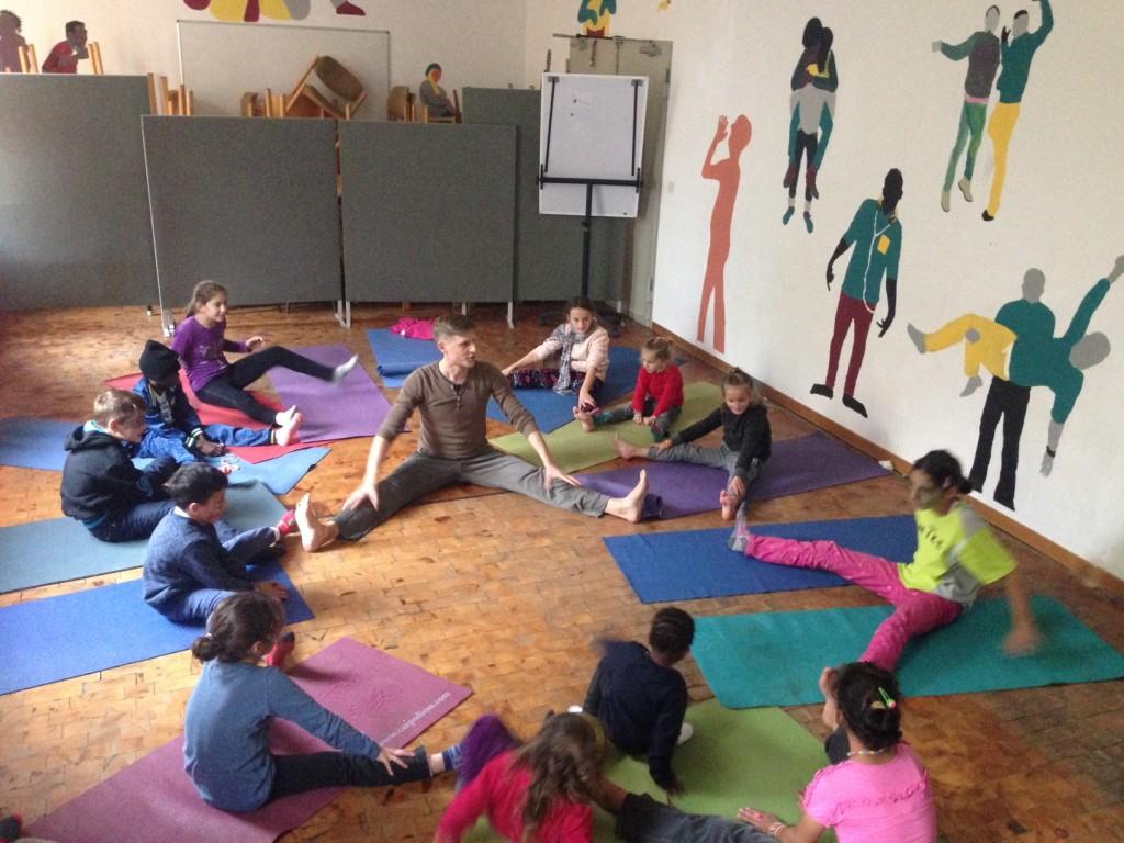 Kinderyoga für Flüchtlingskinder